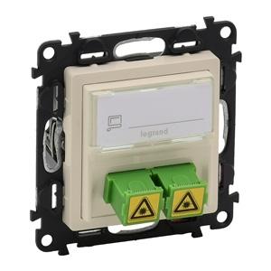 Изображение Valena LIFE.Оптическая розетка для подключения оптоволоконных кабелей SC/APC.С лицевой панелью.Слоновая кость