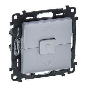 Изображение Valena LIFE.Выключатель управления для жалюзи и рольставней 6АХ 250В.С лицевой панелью.Безвинтовые зажимы.Алюминий