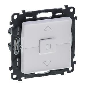 Изображение Valena LIFE.Выключатель кнопочный управления для жалюзи и рольставней 6А 250В.С лицевой панелью.Безвинтовые зажимы.Белый