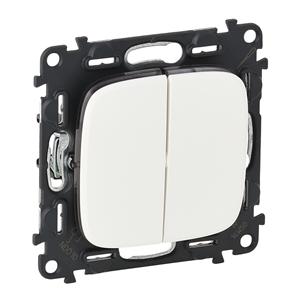 Изображение Valena ALLURE.Переключатель двухклавишный 10А 250В с лицевой панелью.Безвинтовые зажимы.Белый